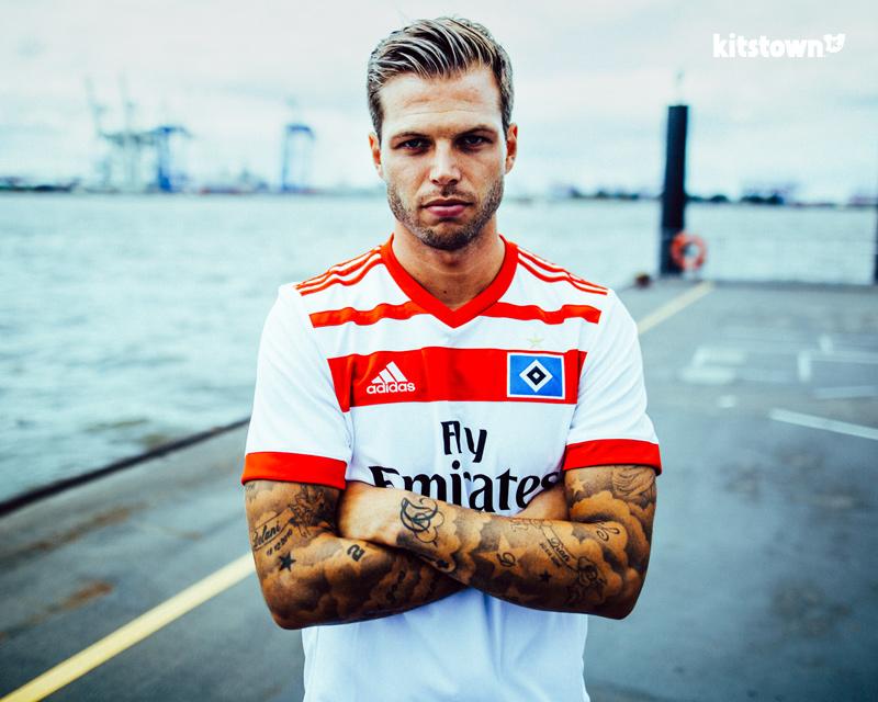 汉堡2017-18赛季主场球衣 © kitstown.com 球衫堂