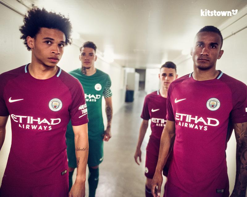 曼彻斯特城2017-18赛季客场球衣 © kitstown.com 球衫堂