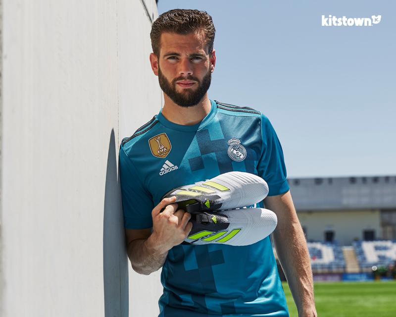 皇家马德里2017-18赛季第二客场球衣 © kitstown.com 球衫堂