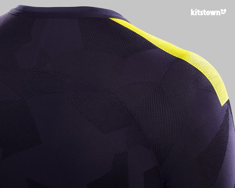 托特纳姆热刺2017-18赛季第二客场球衣 © kitstown.com 球衫堂