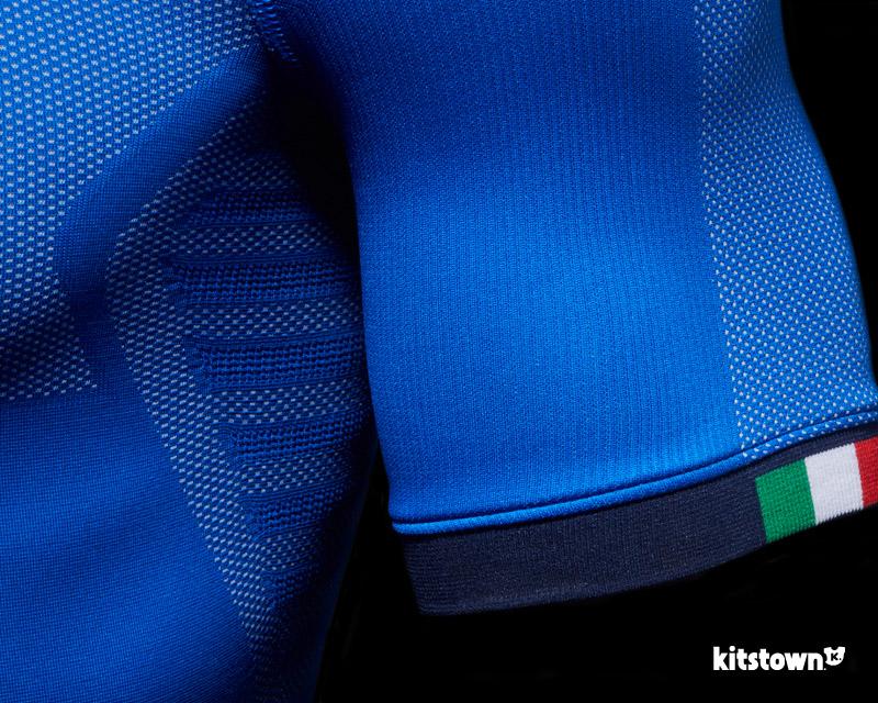 意大利国家队2018赛季主场球衣 © kitstown.com 球衫堂