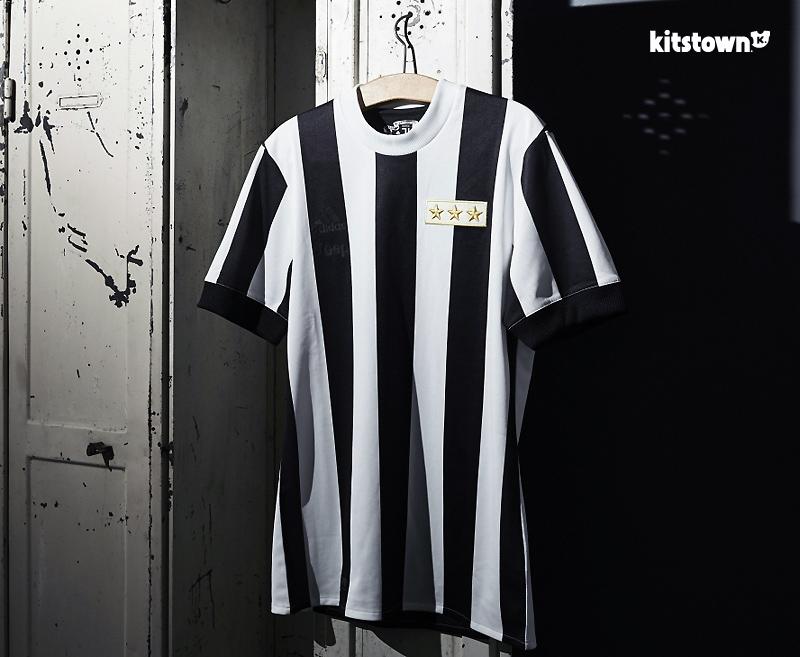 尤文图斯俱乐部120周年纪念球衣 © kitstown.com 球衫堂