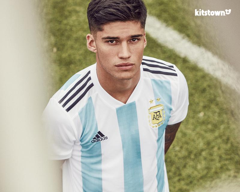 阿根廷国家队2018世界杯主场球衣 © kitstown.com 球衫堂