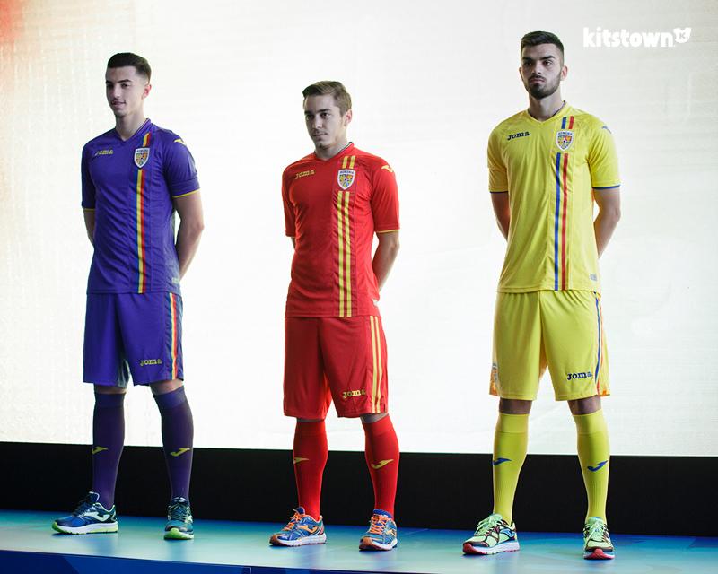 罗马尼亚国家队新徽章及2018赛季主客场球衣 © kitstown.com 球衫堂