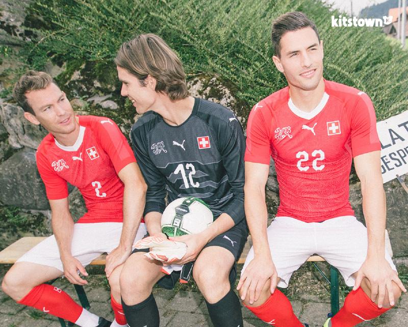 瑞士国家队2018赛季主场球衣 © kitstown.com 球衫堂