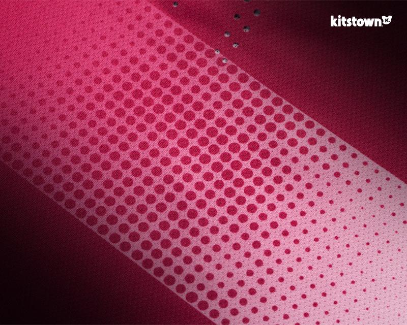 江苏盐城鼎立2018赛季主客场球衣 © kitstown.com 球衫堂