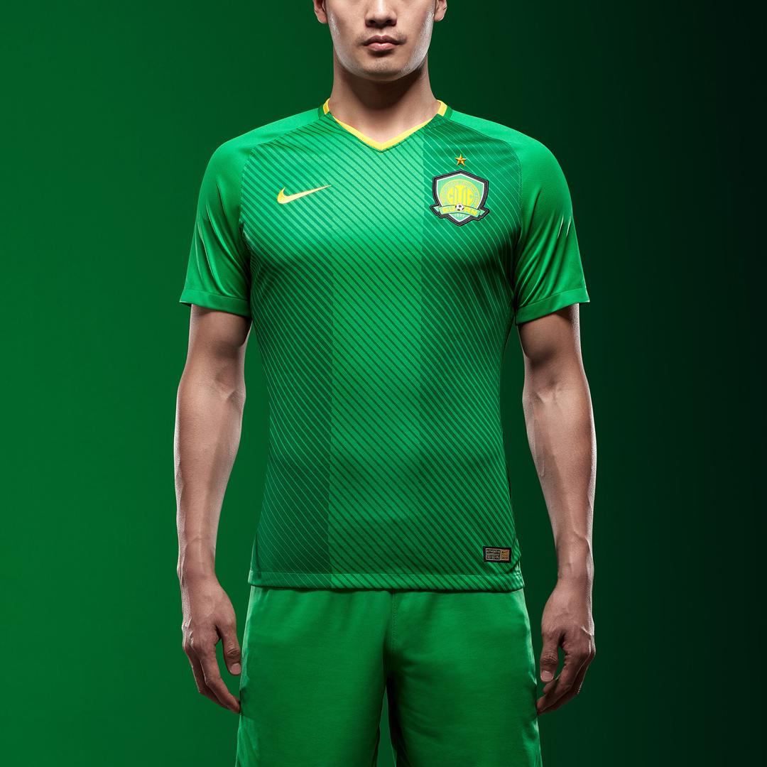 北京中赫国安2018赛季主场球衣 © kitstown.com 球衫堂
