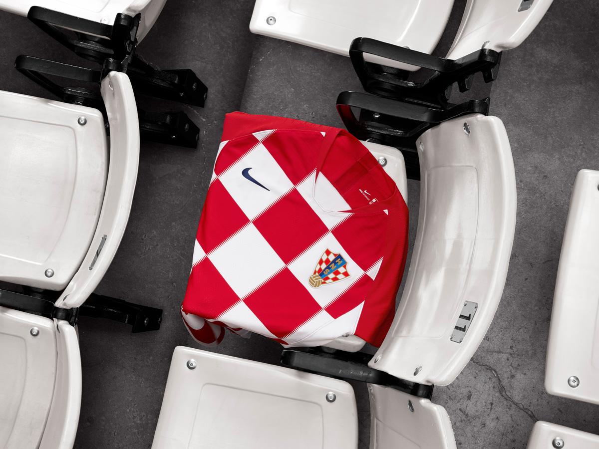 克罗地亚国家队2018世界杯主客场球衣 © kitstown.com 球衫堂