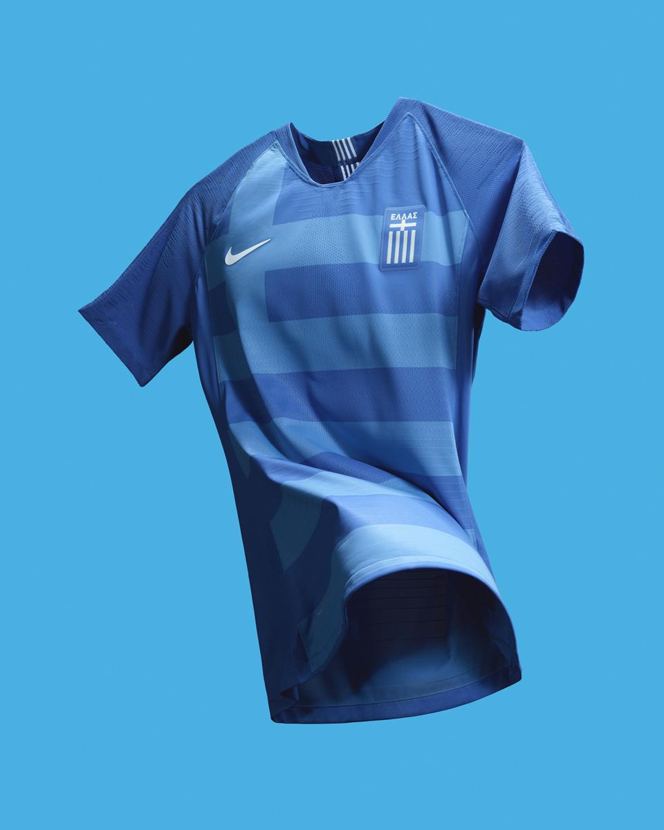 希腊国家队2018赛季主客场球衣 © kitstown.com 球衫堂