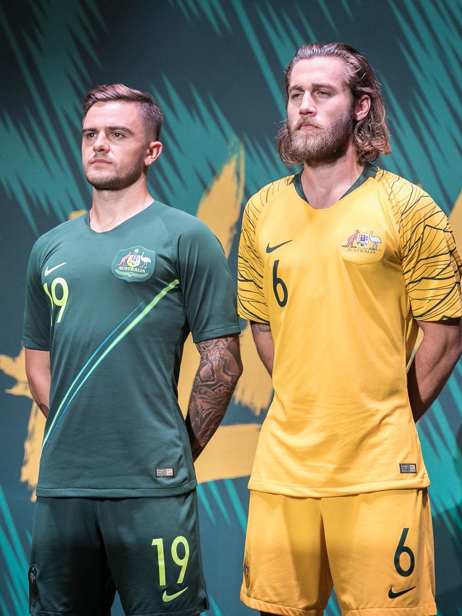 澳大利亚国家队2018世界杯主客场球衣 © kitstown.com 球衫堂