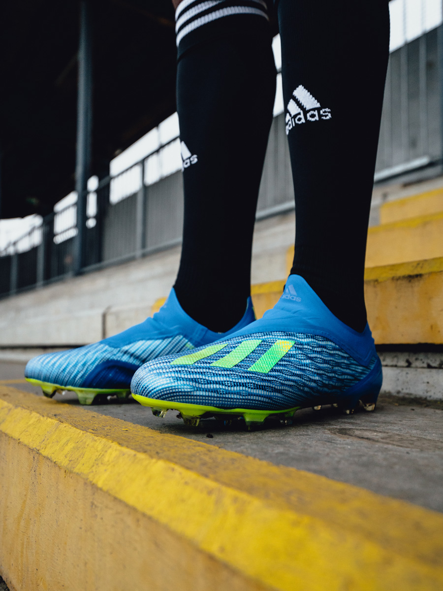 阿迪达斯发布全新X18+高能系列战靴 © kitstown.com 球衫堂