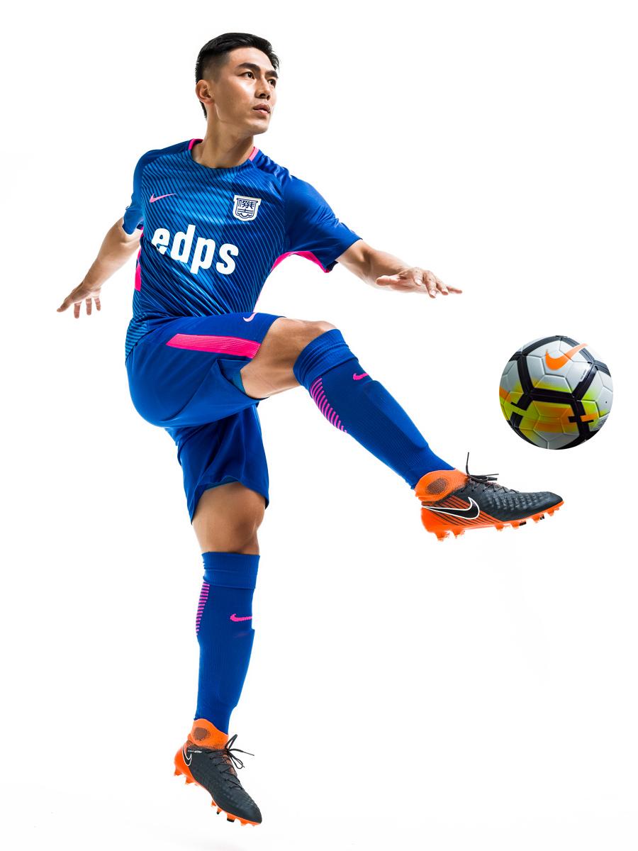 杰志2018-19赛季主场球衣 © kitstown.com 球衫堂