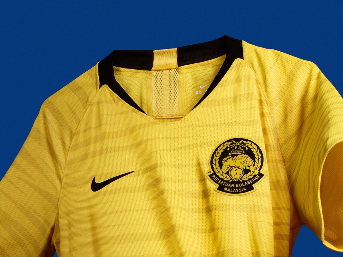 马来西亚国家队2018赛季主客场球衣 © kitstown.com 球衫堂