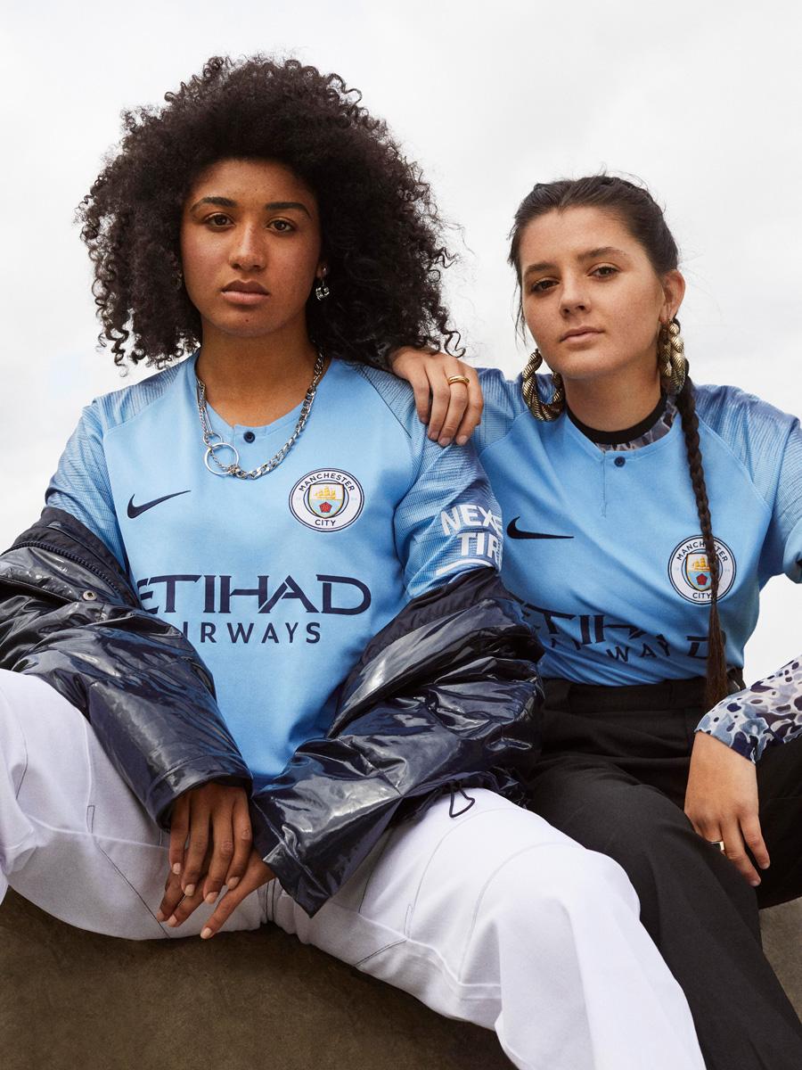 曼彻斯特城2018-19赛季主场球衣 © kitstown.com 球衫堂