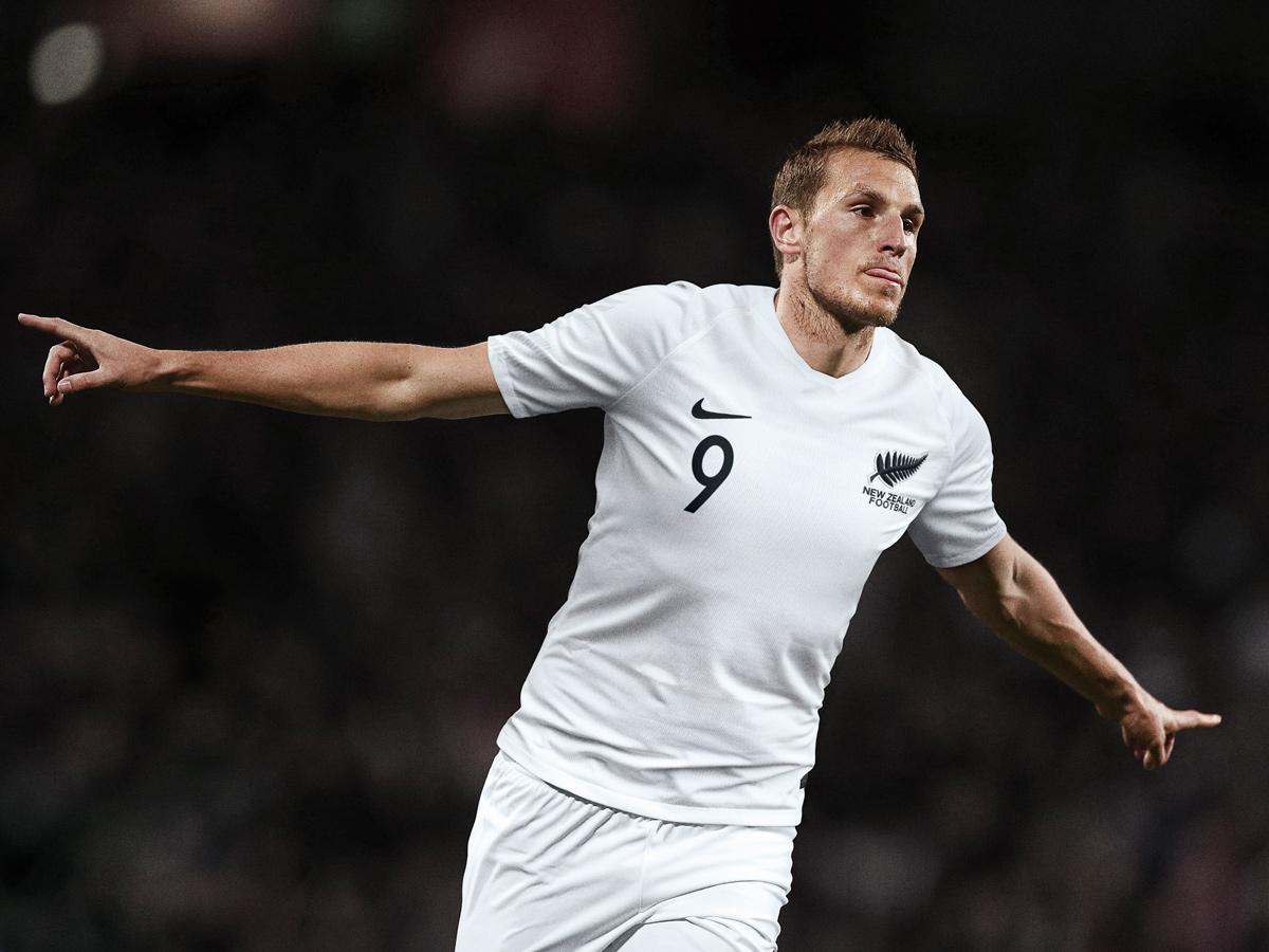 新西兰国家队2018赛季主客场球衣 © kitstown.com 球衫堂