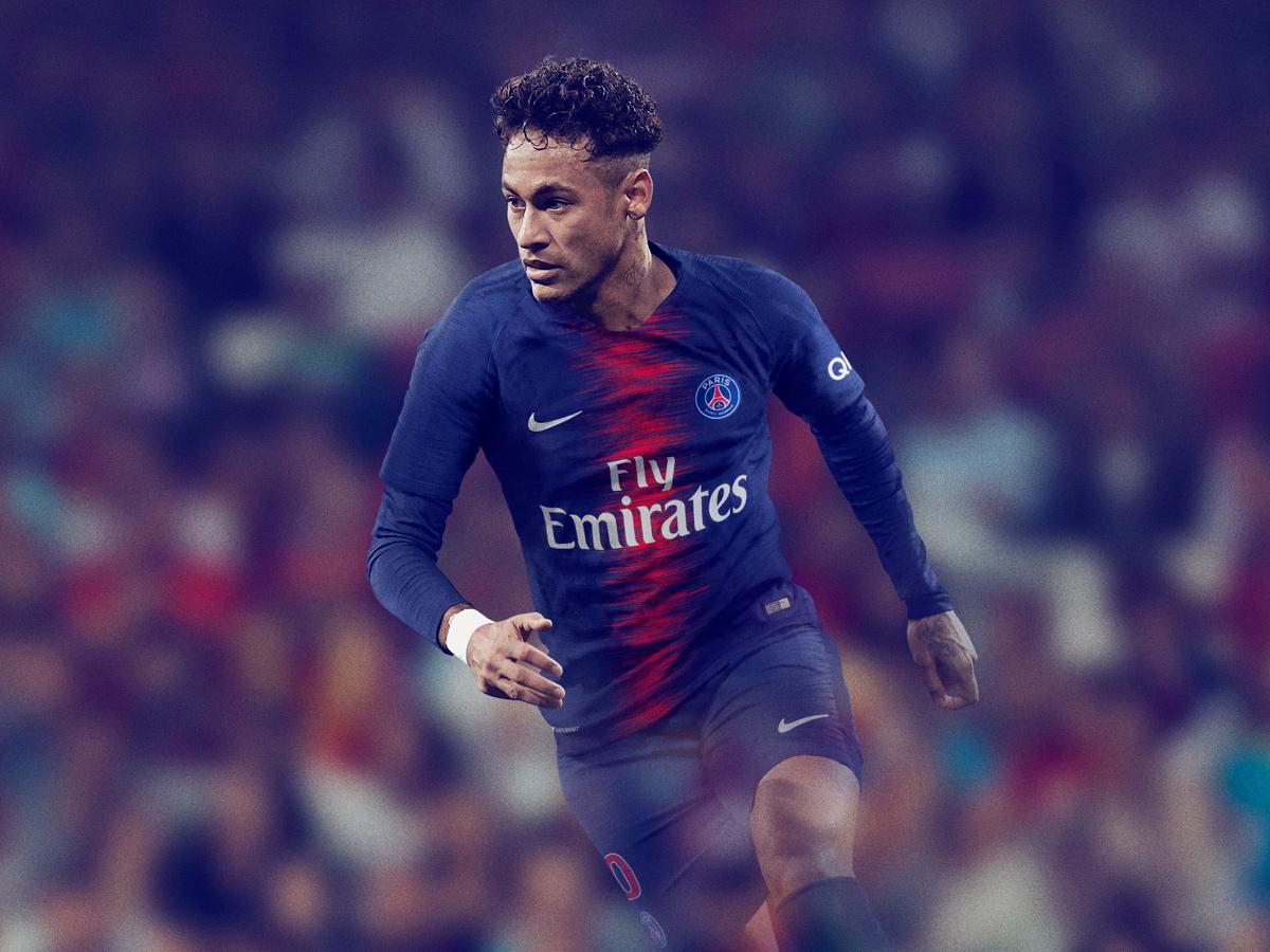 巴黎圣日耳曼2018-19赛季主场球衣 © kitstown.com 球衫堂
