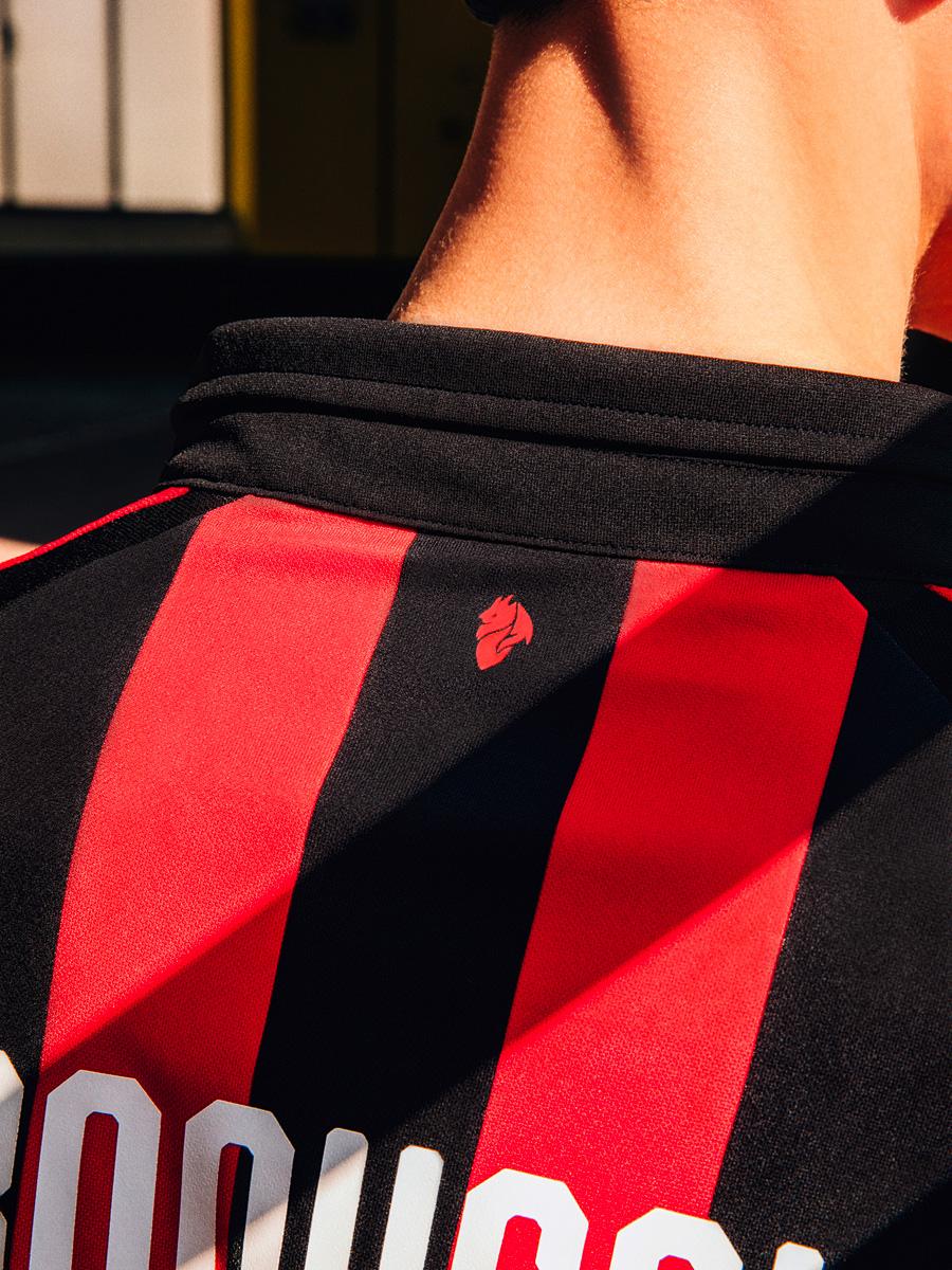AC米兰2018-19赛季主场球衣 © kitstown.com 球衫堂