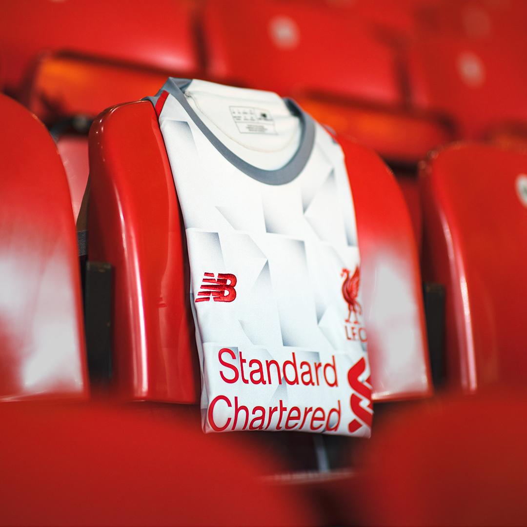 利物浦2018-19赛季第二客场球衣 © kitstown.com 球衫堂