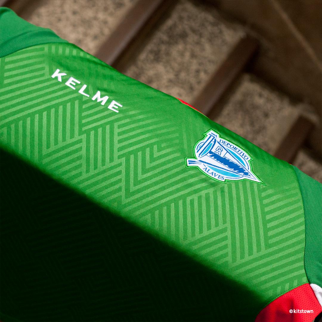 阿拉维斯2018-19赛季主客场球衣 © kitstown.com 球衫堂