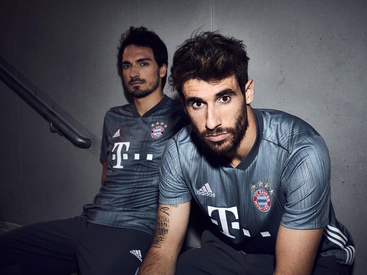 拜仁慕尼黑2018-19赛季第二客场球衣 © kitstown.com 球衫堂