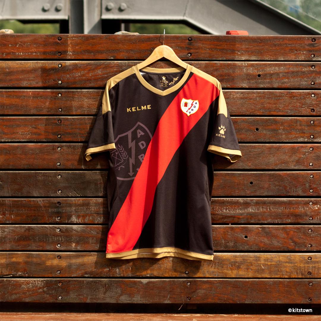 巴列卡诺2018-19赛季主客场球衣 © kitstown.com 球衫堂