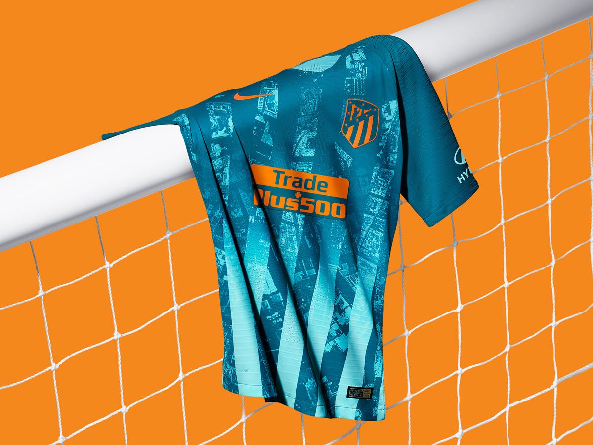 马德里竞技2018-19赛季第二客场球衣 © kitstown.com 球衫堂