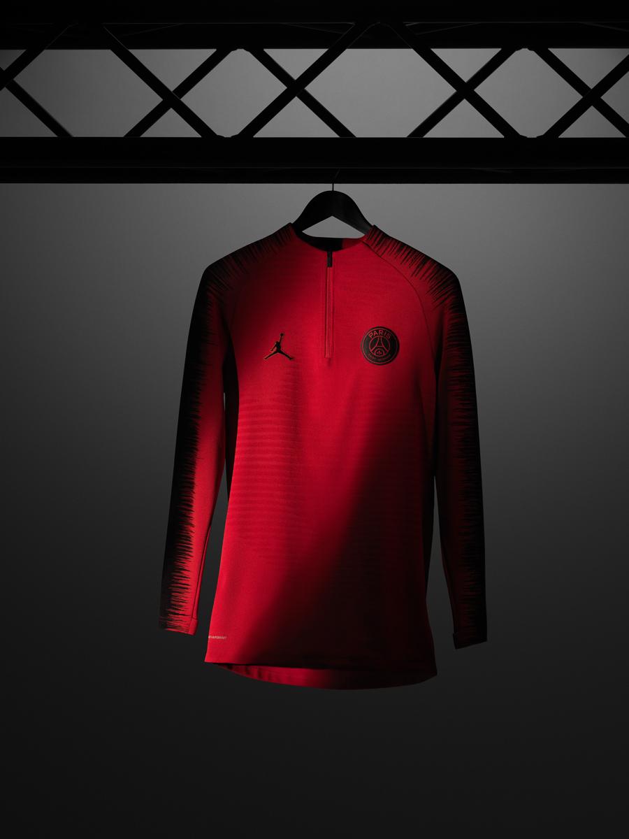 Jordan × 巴黎圣日耳曼2018-19赛季欧冠球衣 © kitstown.com 球衫堂