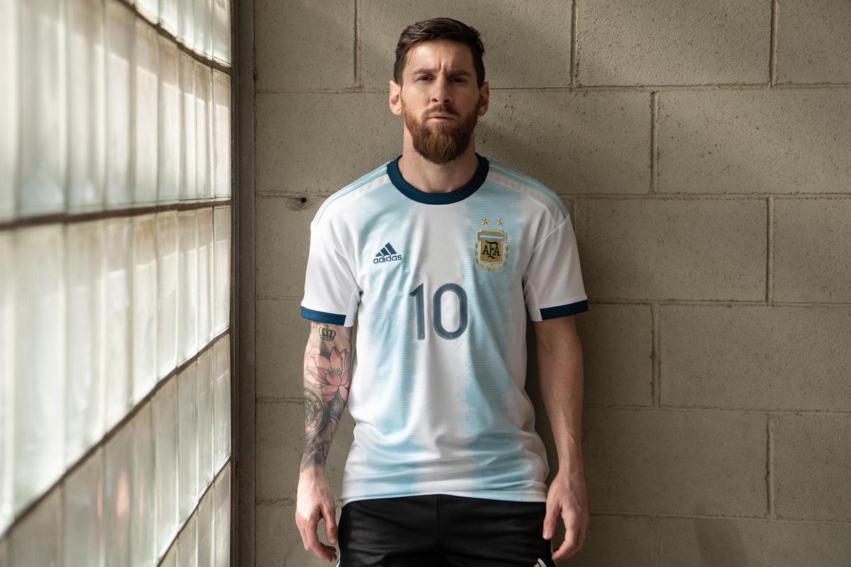 阿根廷国家队2019赛季主场球衣 © 球衫堂 kitstown