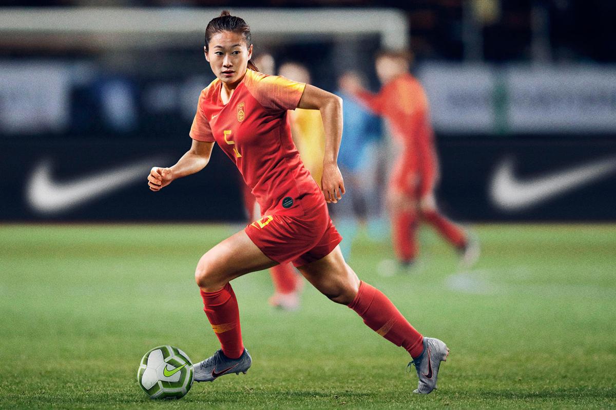 中国女足国家队2019世界杯主客场球衣 © 球衫堂 kitstown