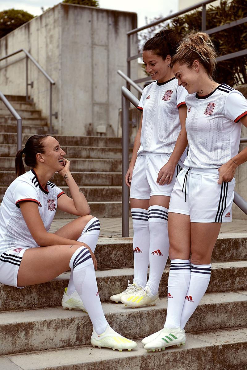 西班牙女足国家队2019世界杯客场球衣 © 球衫堂 kitstown