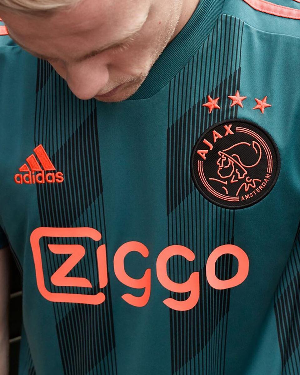 阿贾克斯2019-20赛季客场球衣 © 球衫堂 kitstown