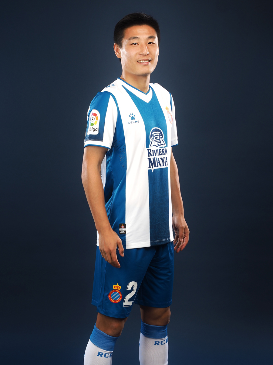 西班牙人2019-20赛季主场球衣 © 球衫堂 kitstown