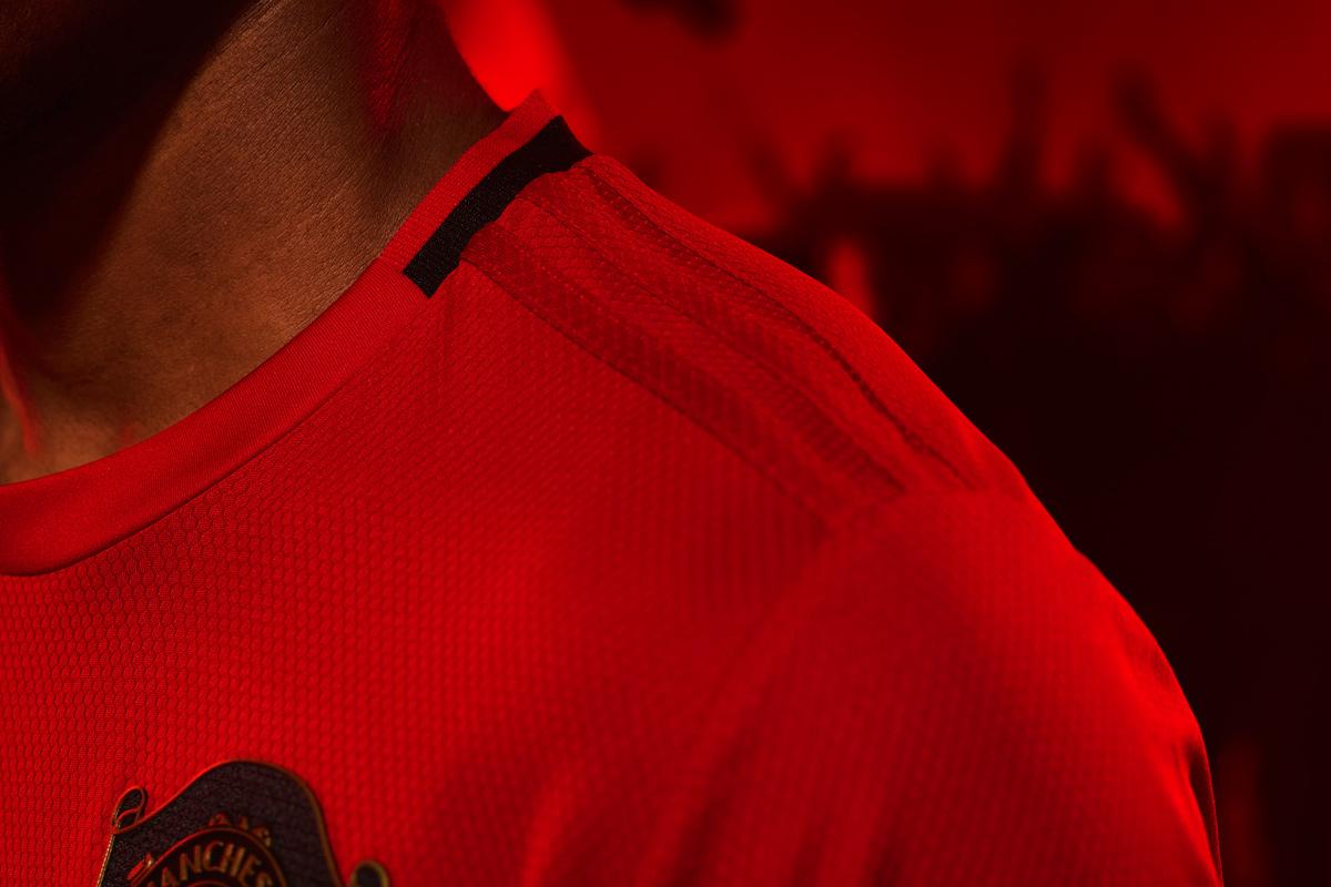 曼彻斯特联2019-20赛季主场球衣 © 球衫堂 kitstown