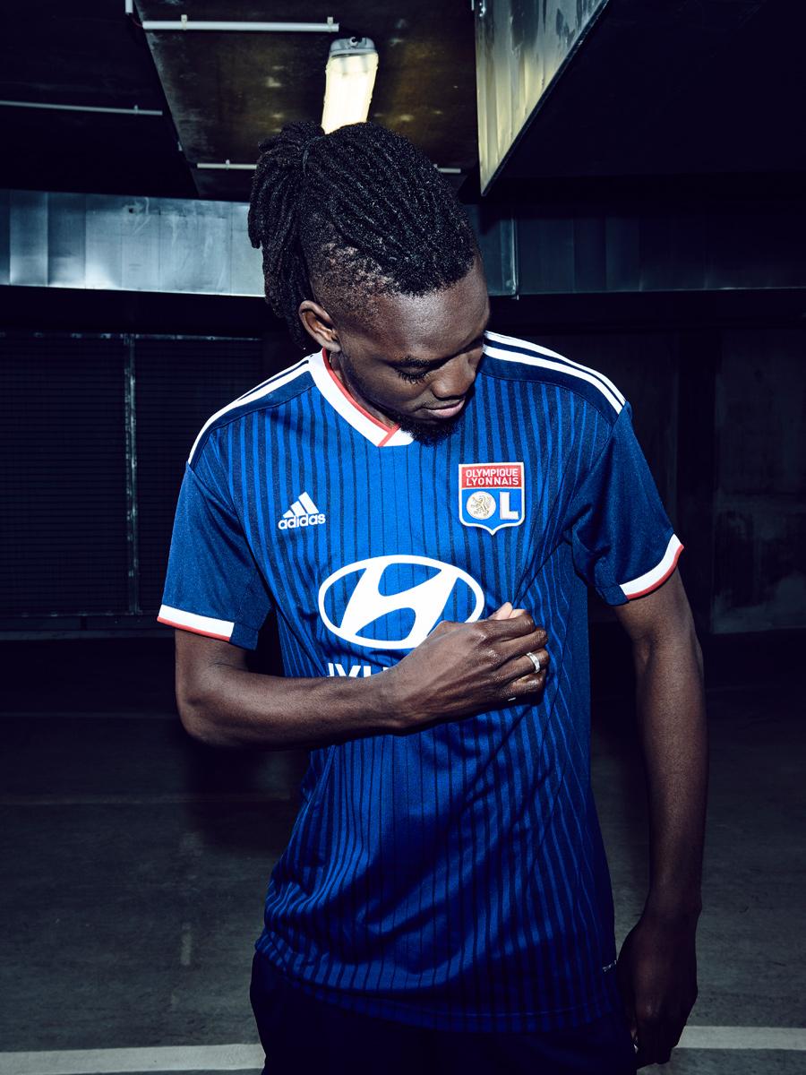 里昂2019-20赛季主客场球衣 © 球衫堂 kitstown