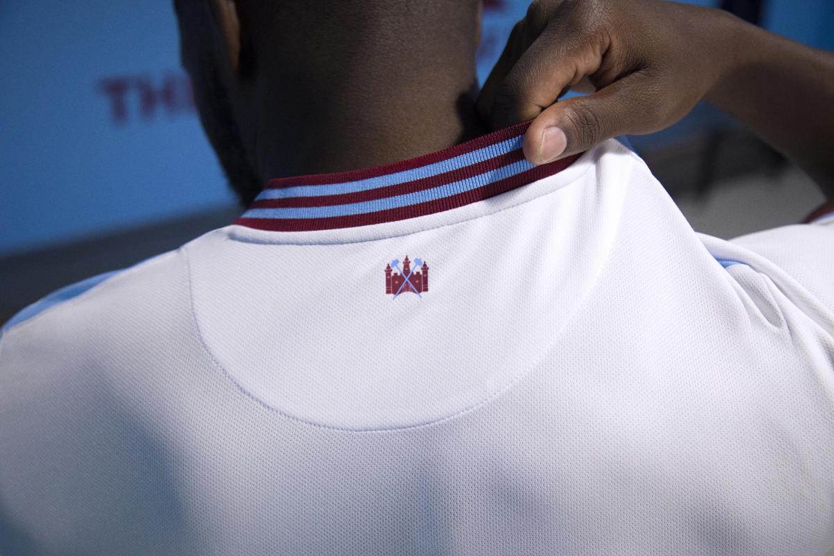 西汉姆联2019-20赛季主客场球衣 © 球衫堂 kitstown