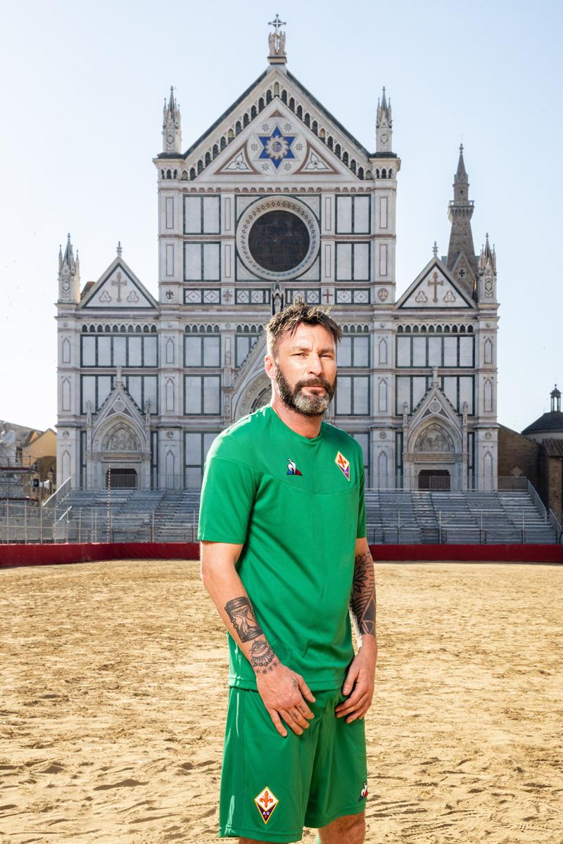 佛罗伦萨2019-20赛季客场球衣 © 球衫堂 kitstown