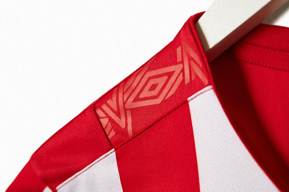 埃因霍温2019-20赛季主场球衣 © 球衫堂 kitstown