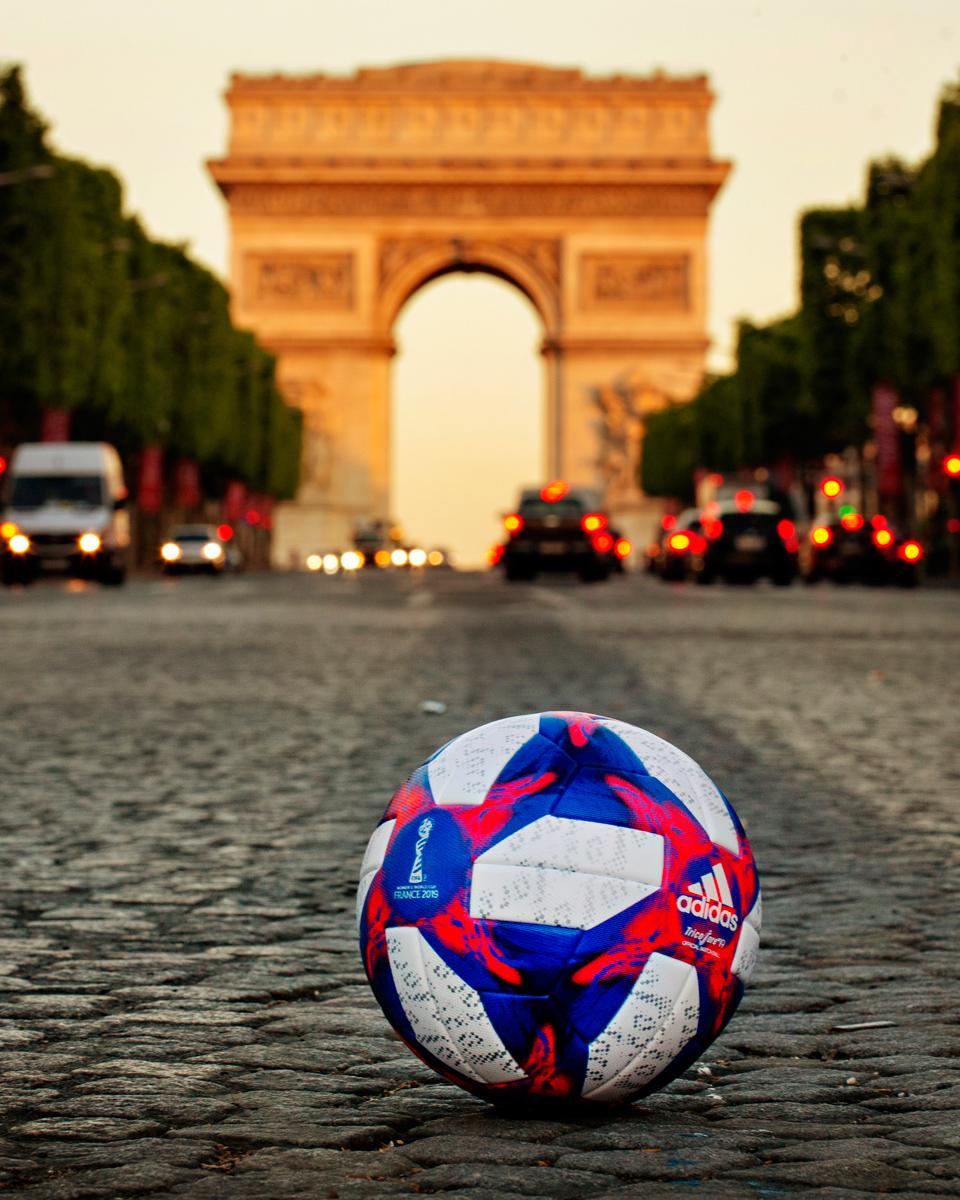 Tricolore 19—2019年FIFA女足世界杯淘汰赛阶段官方比赛用球 © 球衫堂 kitstown