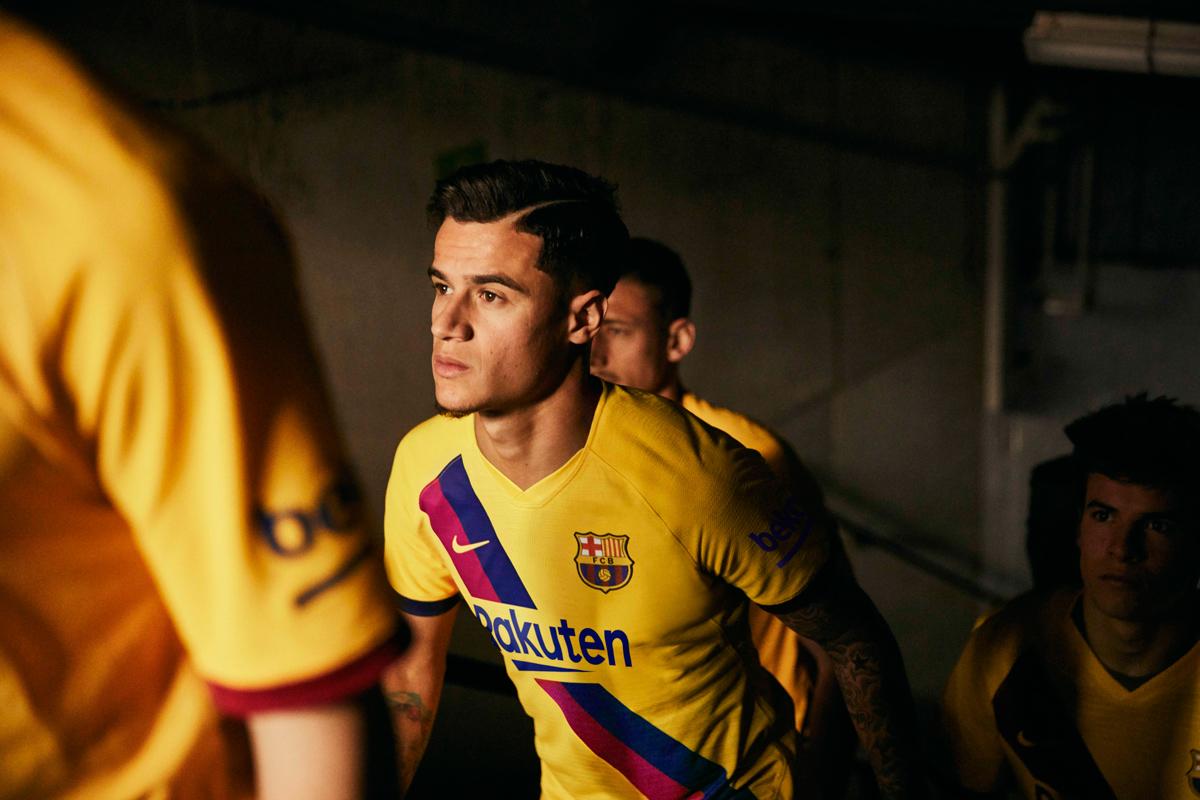 巴塞罗那2019-20赛季客场球衣 © 球衫堂 kitstown