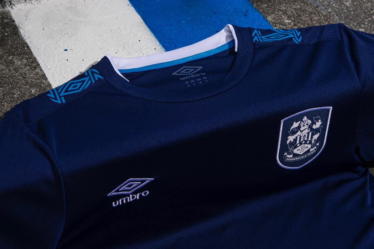 哈德斯菲尔德2019-20赛季主客场球衣 © 球衫堂 kitstown