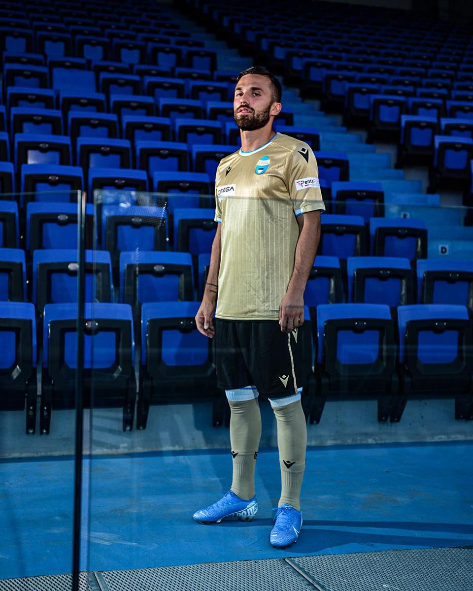 斯帕尔2019-20赛季主客场球衣 © 球衫堂 kitstown
