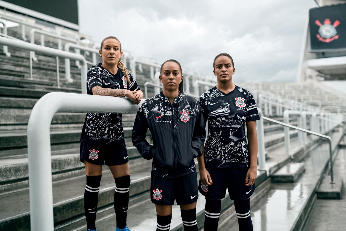 科林蒂安2019-20赛季第二客场球衣 © 球衫堂 kitstown