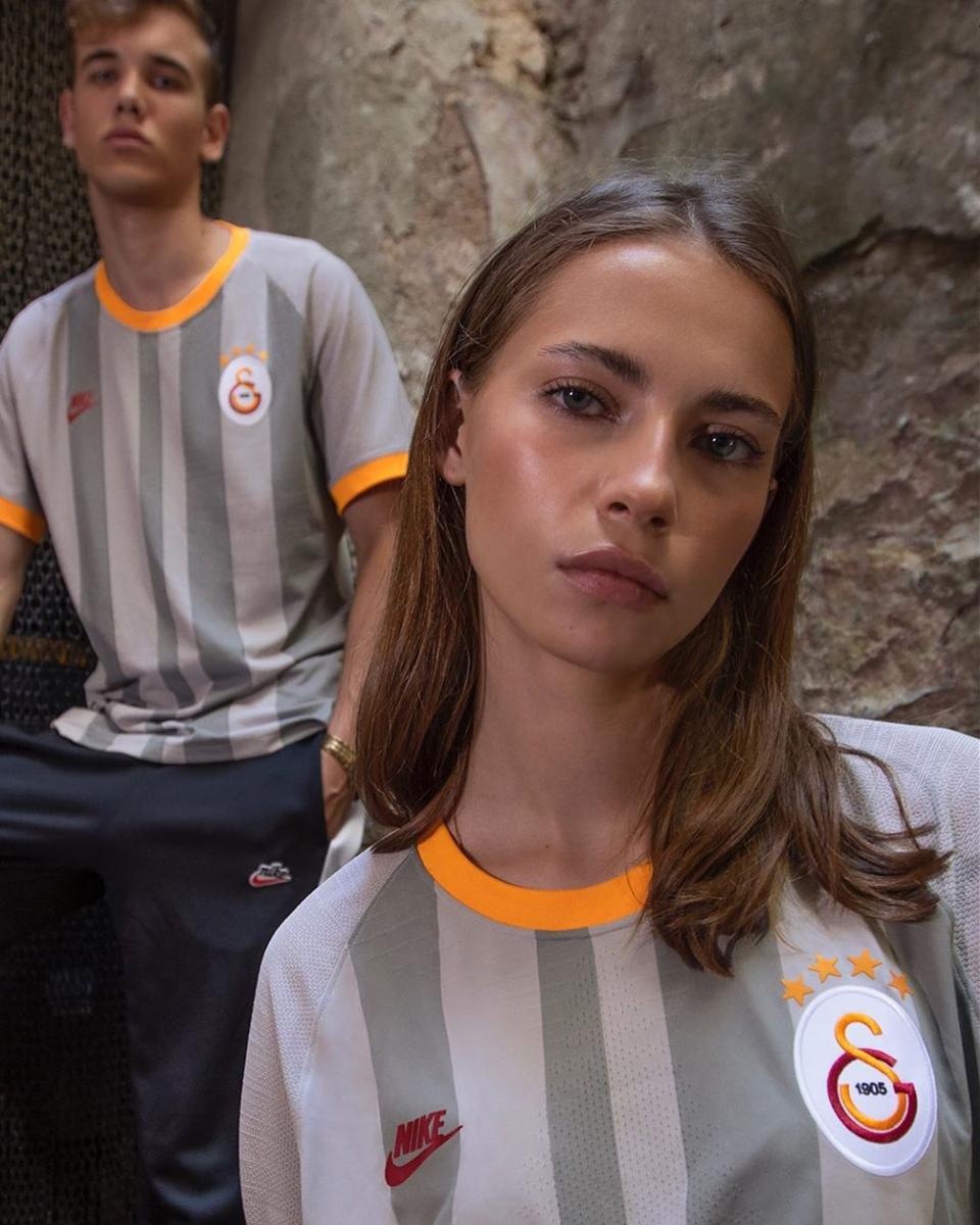 加拉塔萨雷2019-20赛季第二客场球衣 © 球衫堂 kitstown