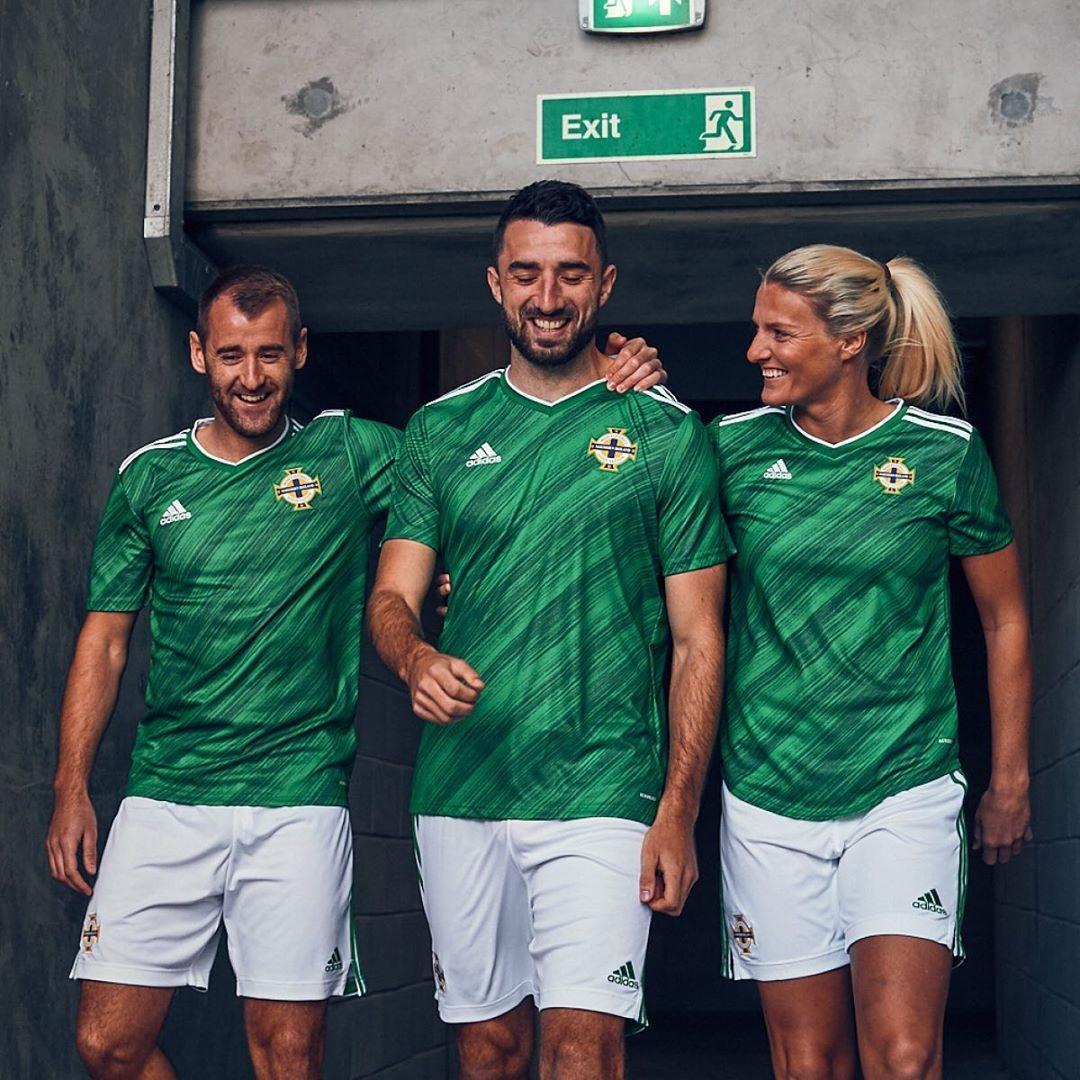 北爱尔兰代表队2020年欧洲杯主场球衣 © 球衫堂 kitstown