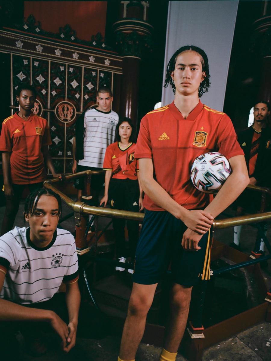 西班牙国家队2020年欧洲杯主场球衣 © 球衫堂 kitstown