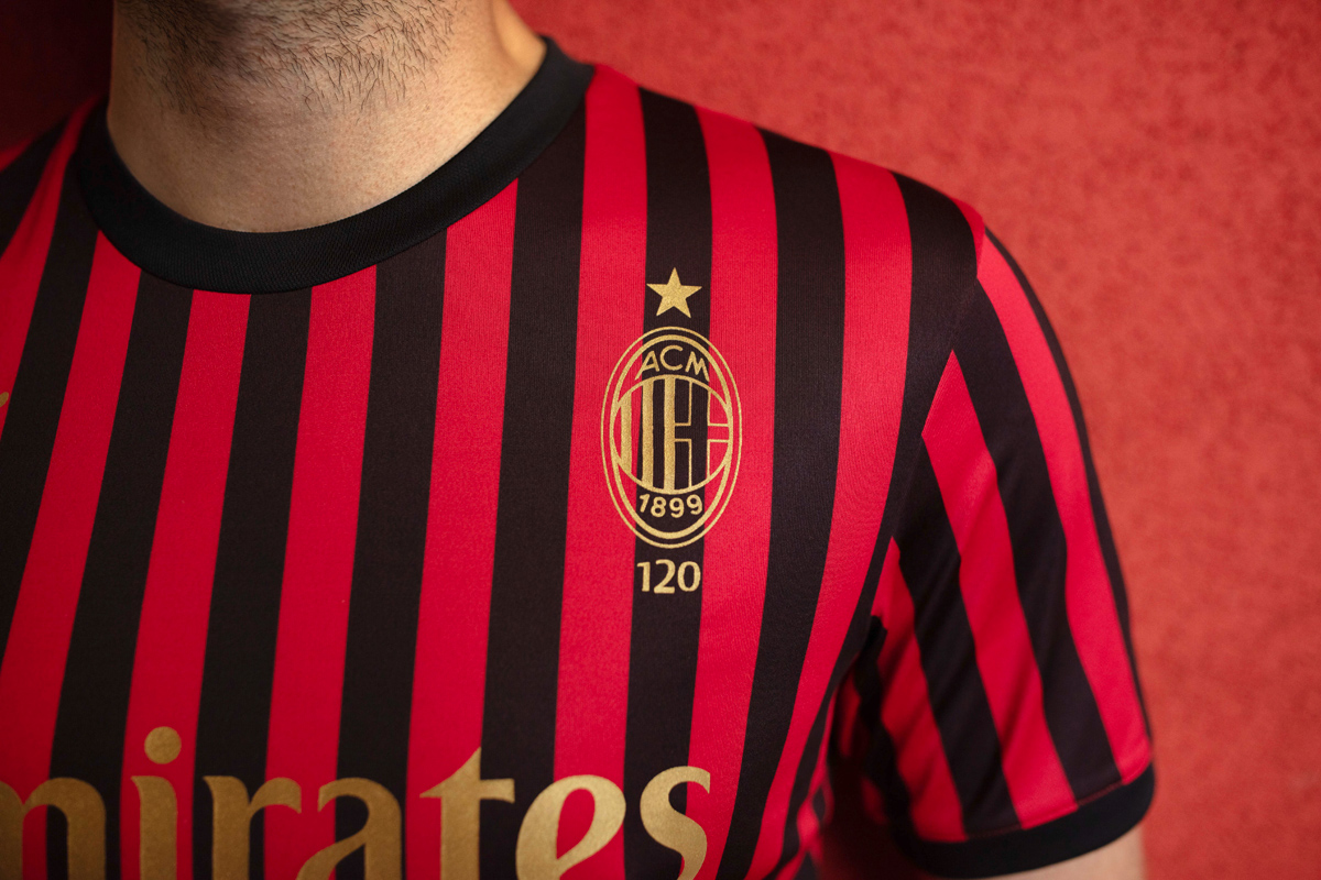 AC米兰俱乐部120周年纪念球衣 © 球衫堂 kitstown