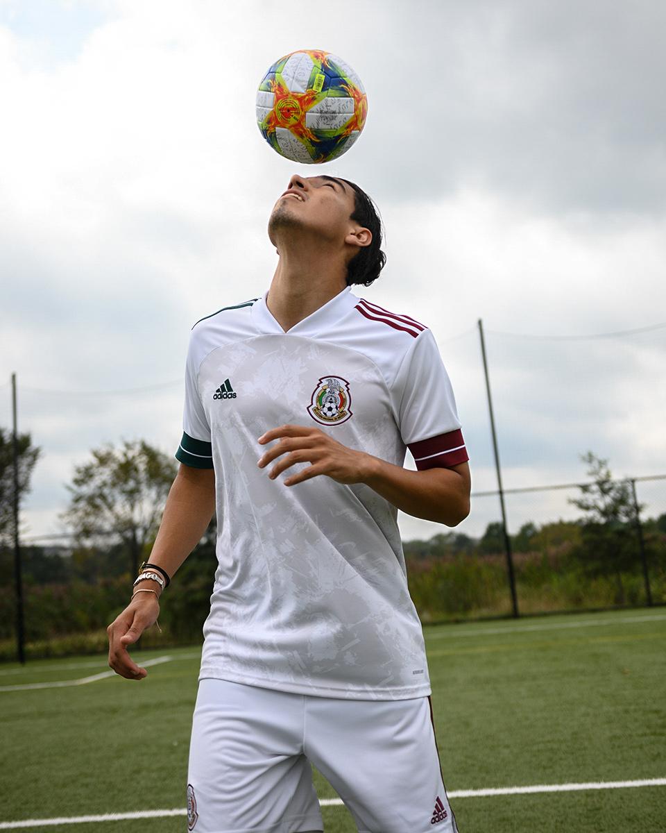 墨西哥国家队2020赛季客场球衣 © 球衫堂 kitstown