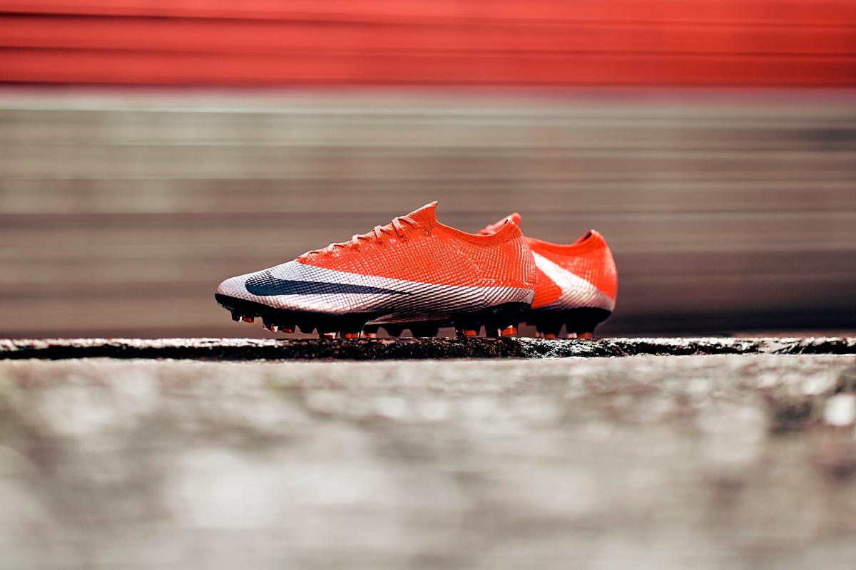 耐克发布全新 Mercurial Vapor 足球鞋 © 球衫堂 kitstown
