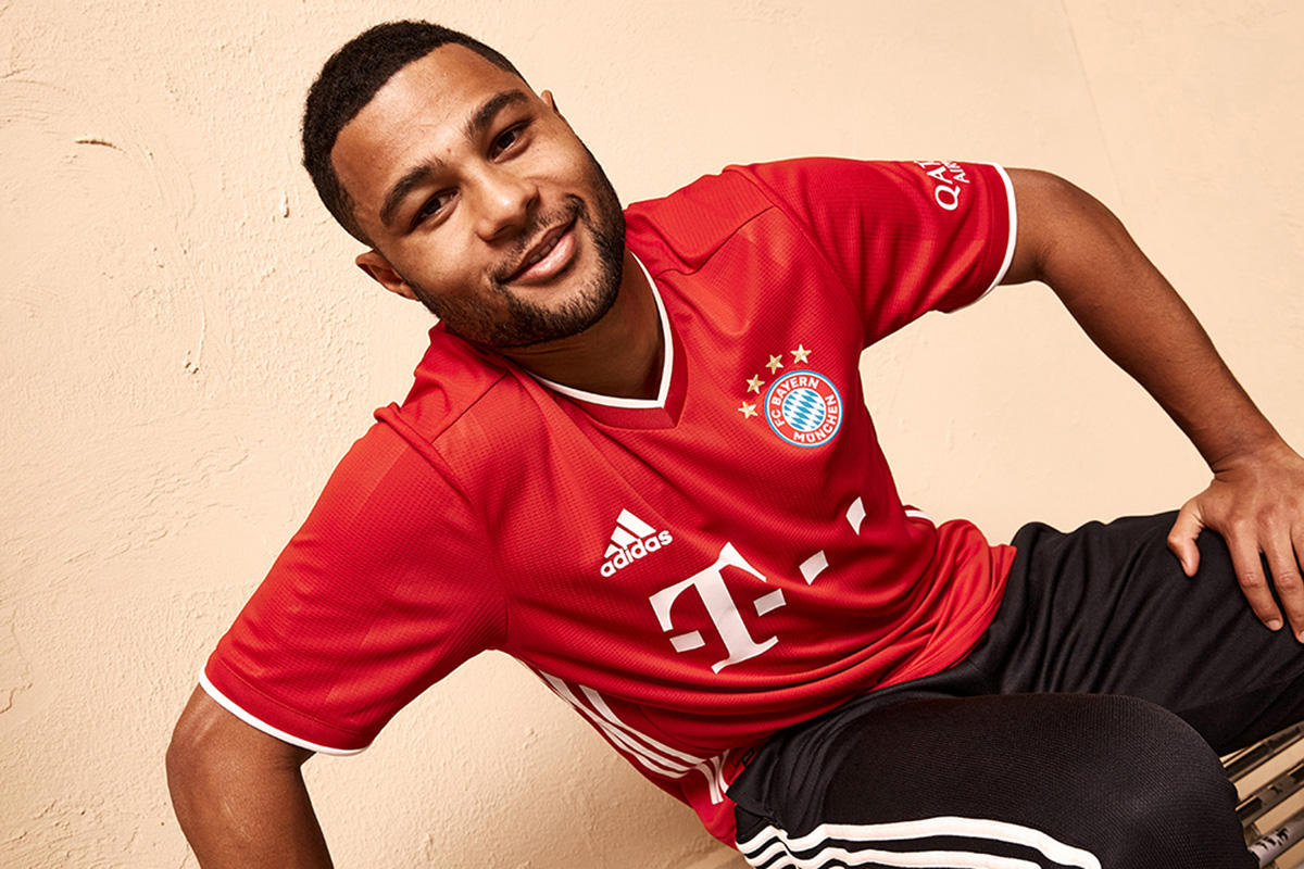 拜仁慕尼黑2020-21赛季主场球衣 © 球衫堂 kitstown