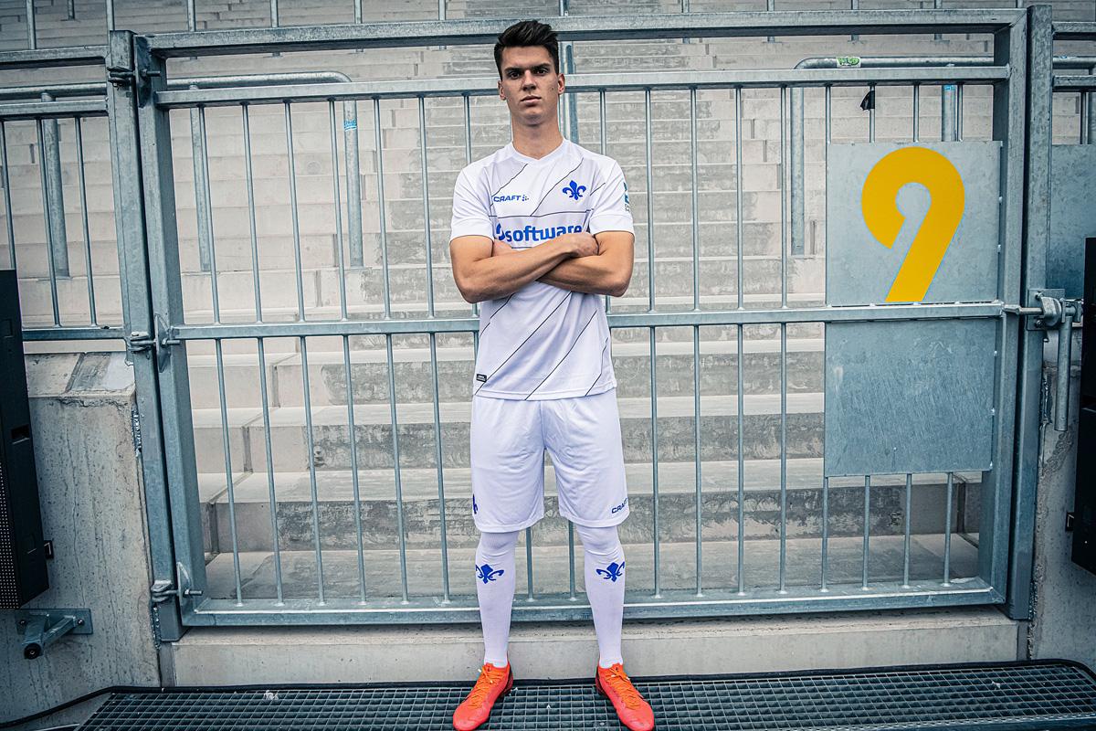达姆施塔特 2020-21 赛季主客场球衣 © 球衫堂 kitstown